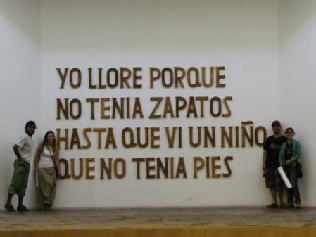 una frase de guayasamin, que refleja su vida de lucha por la justicia y la verdad con lo que el mas sabia hacer, pintar...